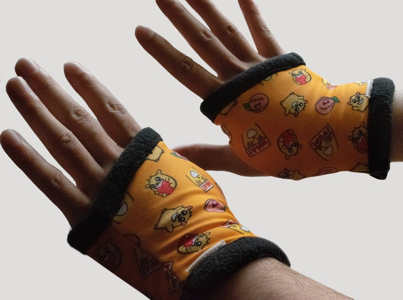 Official Instafluff® & The Coding Cafe Hand Warmers: image 0