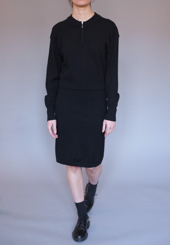 Vintage black wool dress / front zip wool knit dre