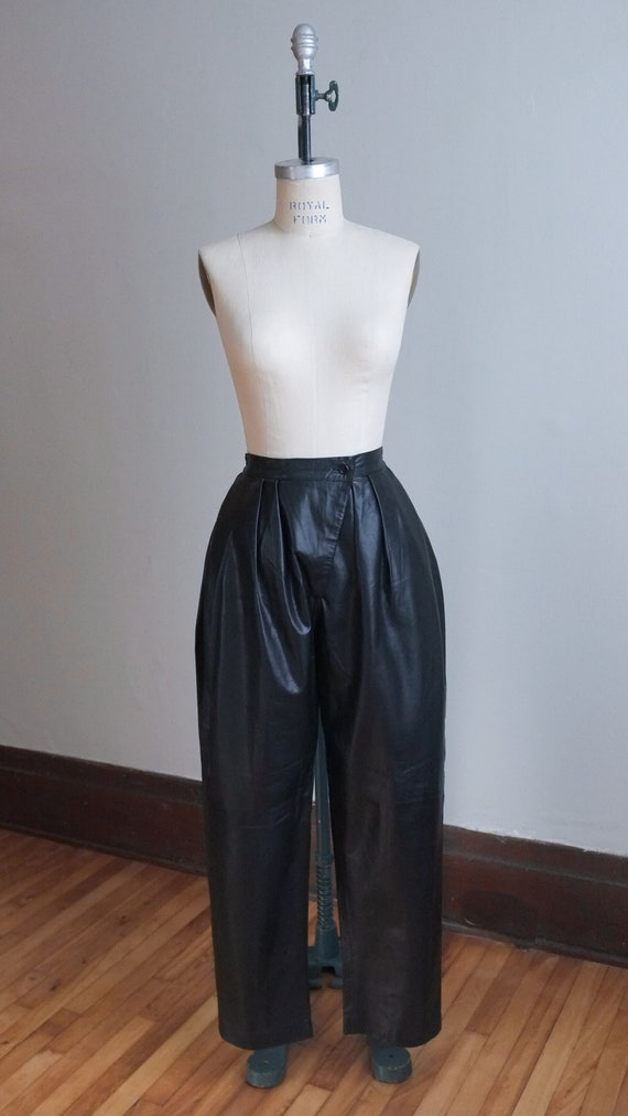 Vintage pleated leather pants / 80's pleated blac… - image 1