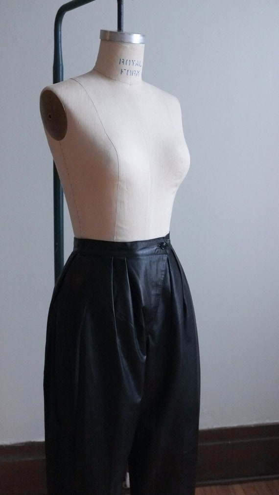 Vintage pleated leather pants / 80's pleated blac… - image 4