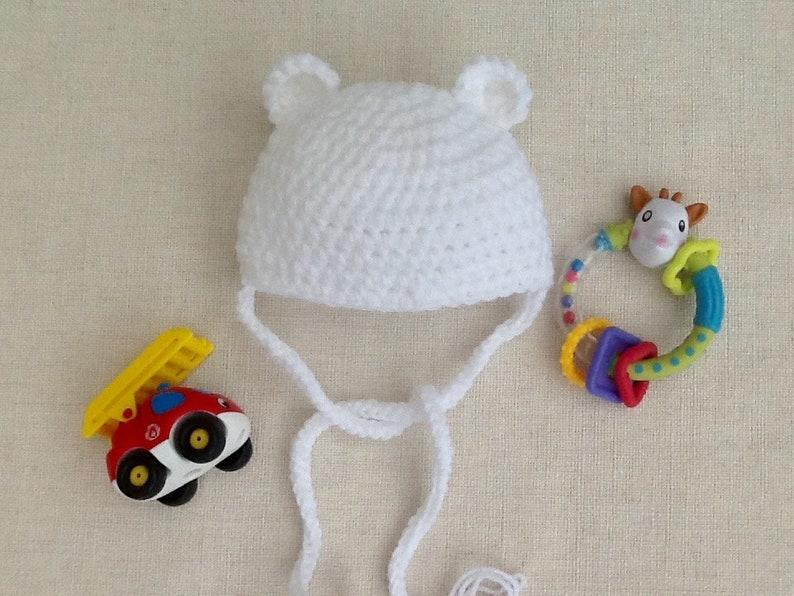 d1fafa82b22 Bonnet bébé ourson blanc au crochet layette cadeau naissance