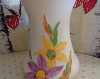 Vintage retro Sylvac vase numbered 4946 with hand painted flowers circa 1972