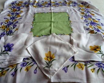 Vintage Mid Century 1950's Dunmoy Rayon tablecloth with 3 matching napkins. Crocus pattern. Made in Ireland. Textiles. Kitchenalia