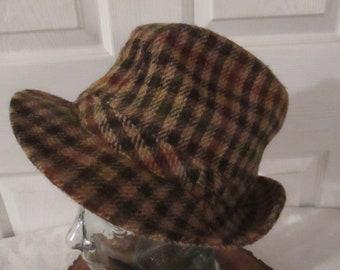 Vintage Men s LL Bean Brown Wool Plaid Fedora Hat in a Size 7 1 8. 68feba53ff9a
