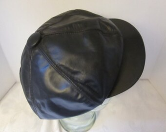 Vintage Men s ( Unisex ) Black Genuine Leather Newsboy Cap. Made in USA in  a Size Large! e91105650e6a
