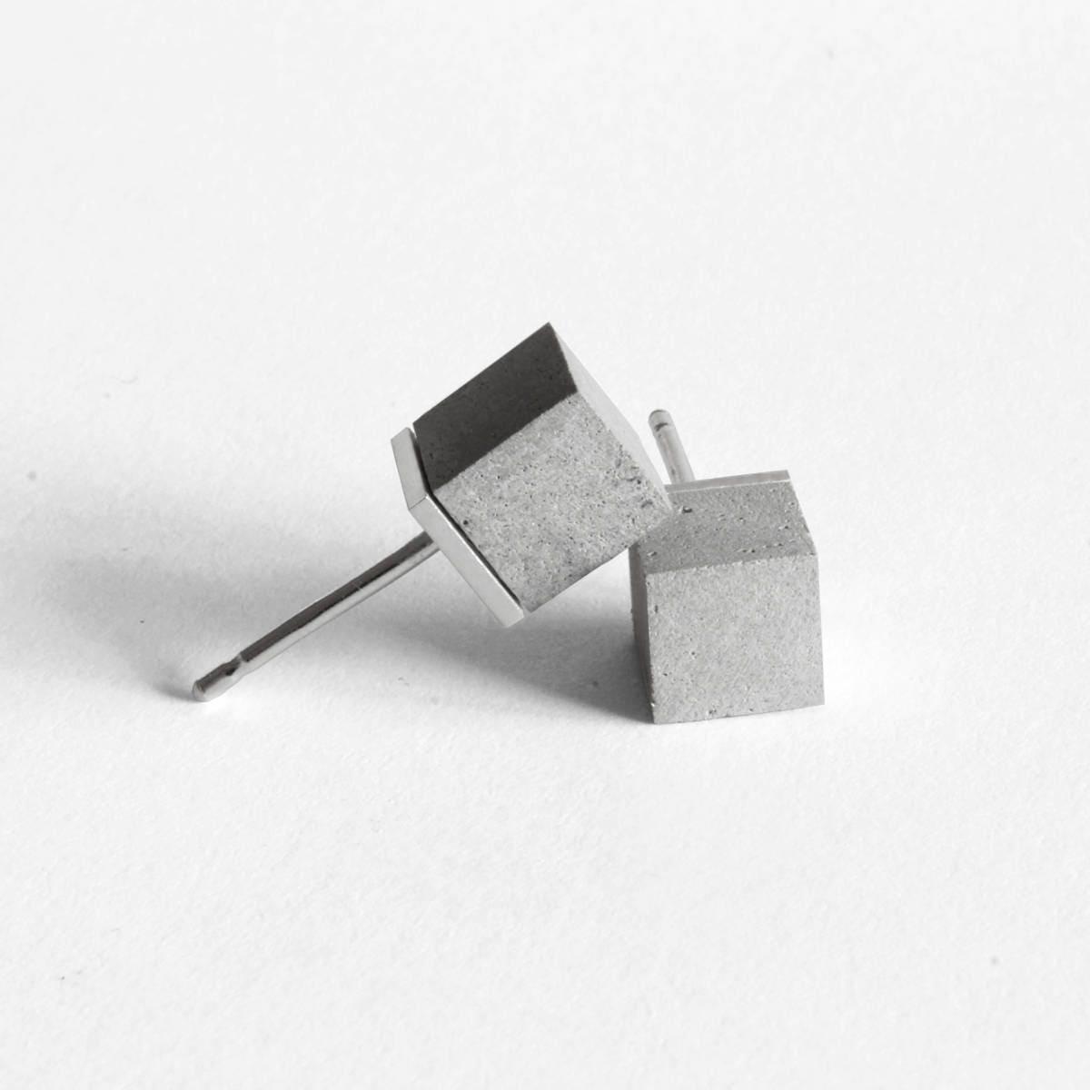 Regalo Per Architetto Femmina orecchini in cemento e argento 925 mod. cubo, orecchini moderni, orecchini  minimali, idee regalo per lei, regalo per architetti, ortogonale