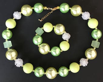 Baby Chunky Necklace,Green Bubble Gum Necklace,Green and Gold,Photo Prop Necklace,First Birthday,Cake smash,One Year Birthday,First Birthday