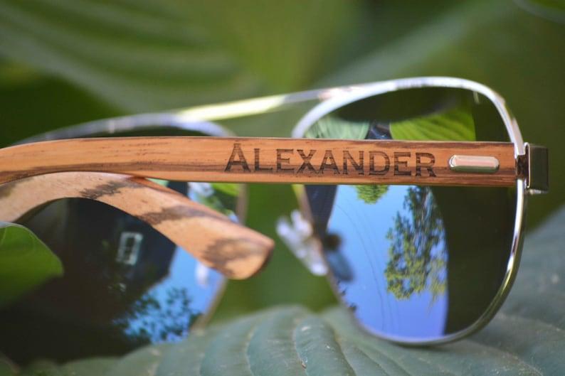 7d8769eb8e4070 Gepersonaliseerde Aviator zonnebril. Houten zonnebril. Heren