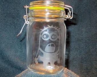 Glass Nug Jug With Minion Etching (EG020)