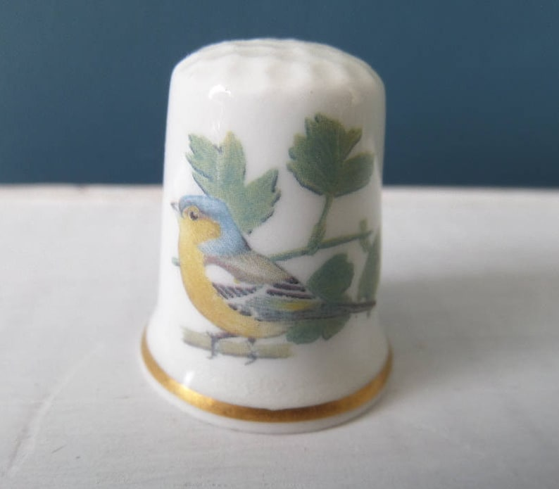 58603b3a24732 Porcelain Thimble English Garden Bird Chaffinch Bird Life
