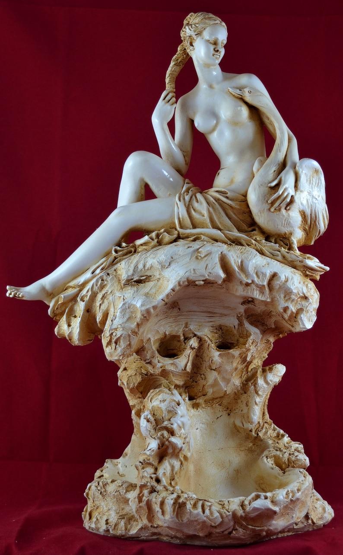 Aphrodite Greek statue love beauty Goddess Swan NEW Free ...