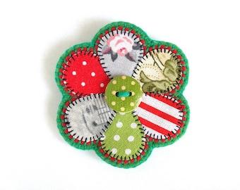 Modern patchwork brooch Primitive flowers jewelry Felt flower brooch Gift for her for mom for girlfriend for women Patchwork flower brooch