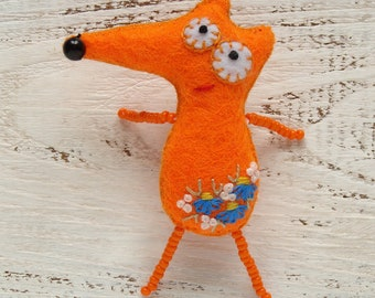 Felt fox embroidery jewelry Cute fox gift for kids Fox pin Pocket fox toy Woodland fox brooch Valentines day gift for children Unusual gifts