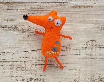 Felt fox brooch Miniature fox pin Cute fox gift for kids Pocket fox toy Woodland fox jewelry Valentines day gift for children Unusual gifts