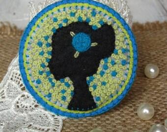 Black woman art jewelry Textile brooch women Face of stranger Art embroidery brooch Fiber art brooch Felt brooch Gift for Mom Felt art pin