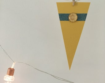 Small Bunting Yellow Compass