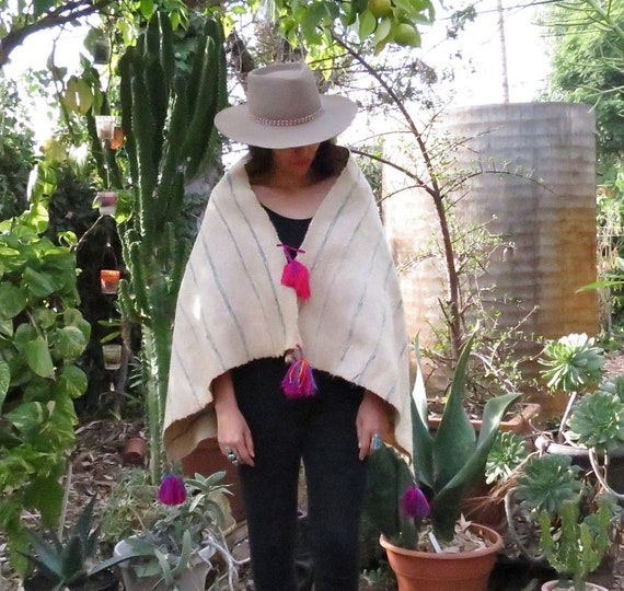Mexican Handwoven Wool Shawl / Mexican Wool Capele