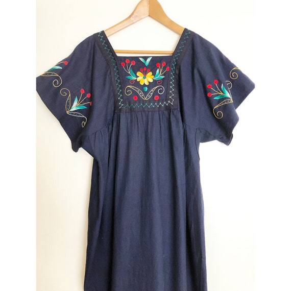 Vintage Mexican Embroidered Dress /  Ethnic Embro… - image 5