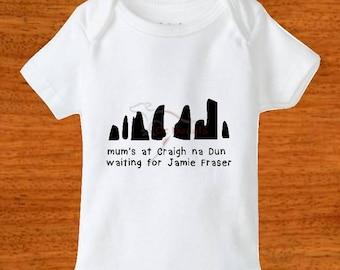 Outlander bodysuit. Baby clothing. Craigh na Dun. Jamie Fraser. Sassenach. JAMMF. Clan Mackenzie. Baby clothes. Clothing. Baby bodysuit.