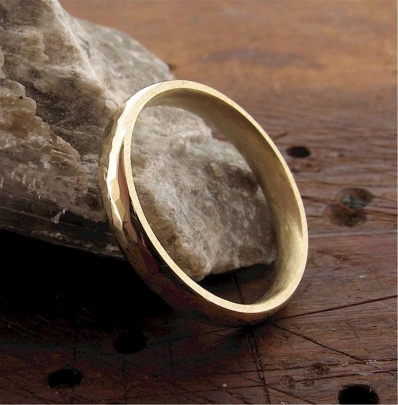 Pebble Hammered handmade wedding band yellow gold 3mm wedding ring design for lady or a man