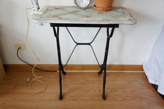 French Bistro table Cafe Garden Patio Kitchen Table Antique Cast Iron  SHIPPING INCLUDED in the continental US