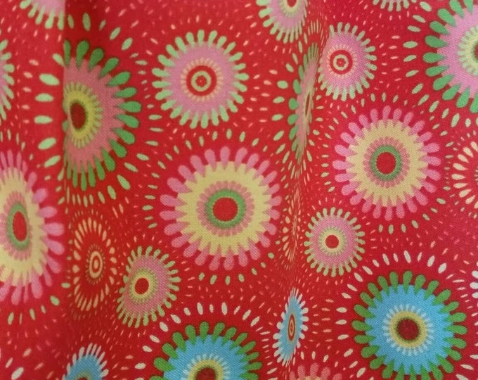 Free Shipping Cotton Quilting Fabric By the Yard Geometric Flowers on Red Background