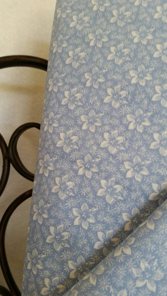 Free Shipping Quilting Fabric, 100 Percent Cotton White Flowers on Light Blue Background