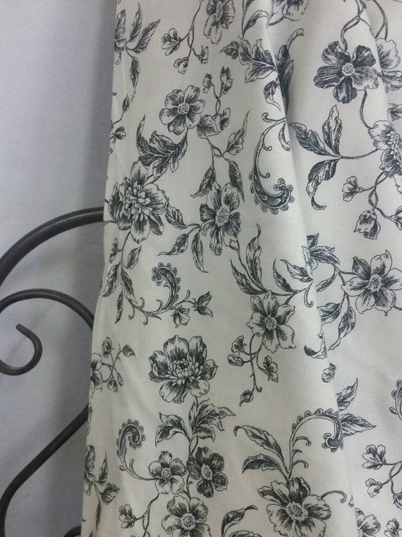 """Robert Kaufman Whisper Prints Black Flowers on Eggshell Background 58"""" Wide Cotton Quilting and Crafting Fabric Free Shipping"""