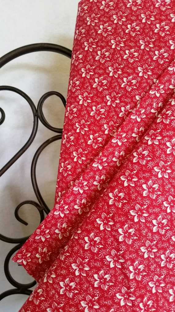 Free Shipping Quilting Fabric, 100 Percent Cotton White Flowers on Red Background