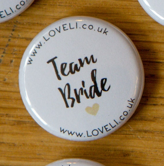 10 x PERSONALISED TEAM BRIDE Hen Do Party Night Wedding Weekend Badges Fun 014