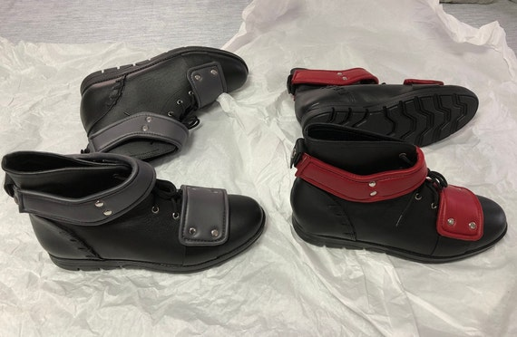 Deadpool Schuhe/grau oder rot / Deadpool Stiefel / zwei | Etsy