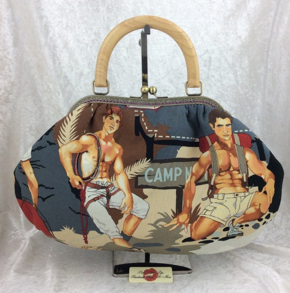 Frame handbag purse bag Hunky Hikers shoulder kiss clasp fabric handmade wooden handle Alexander Henry Outdoorsy
