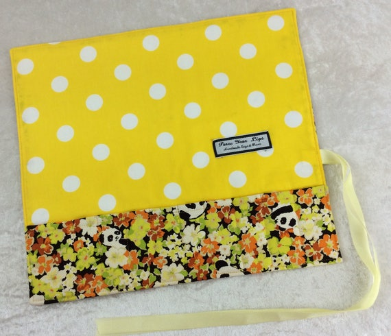 Makeup Pen Pencil Roll Pandas in Flowers Crochet Knitting needles tool organiser holder case wrap