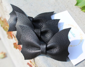 The Bat Wing Bow, halloween bow, fall bow, halloween costume, halloween accessories, halloween hair bow, bat bow, bat hair bow, black bow