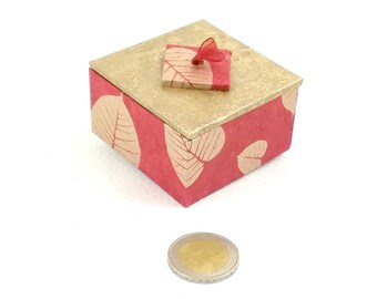 Red and gold - box for ring presentation box