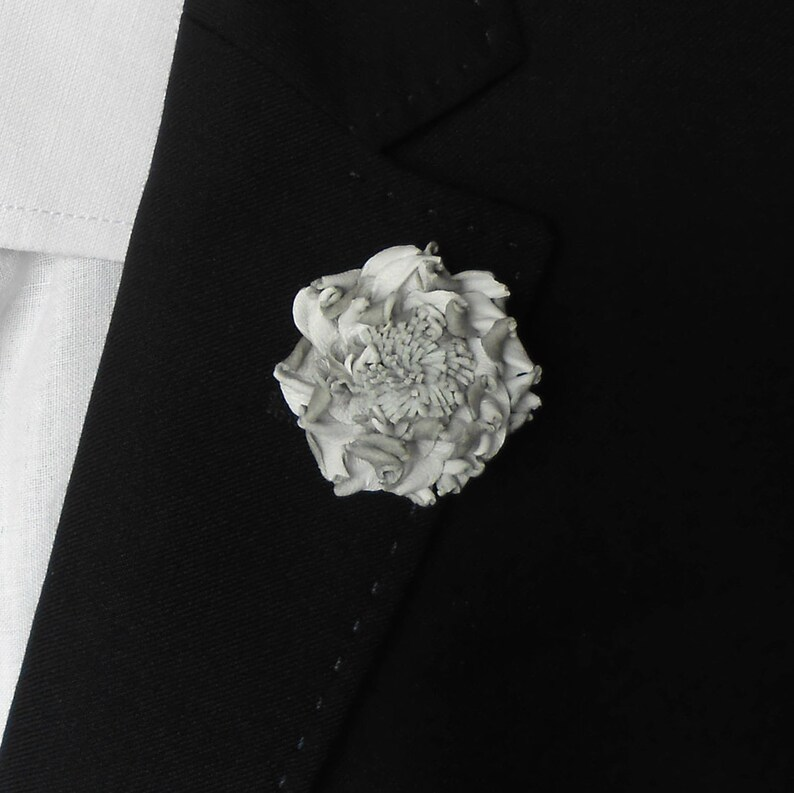 a79b78b2ceda6 Flower Lapel Pin, White flower brooch, Leather lapel pin, Mens lapel,  Flower Pin, Wedding boutonniere, mens accessories, gift ideas for Men