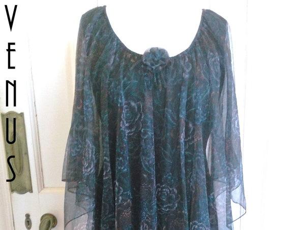 """Plus Size UK 18 Vintage 1970s Chiffon Maxi Dress Cape Black Floaty Floral Boho Carnegie EU 44 US 14 Bust 44"""" 112cm"""