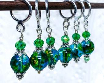 Stitch markers for knitting and crochet, Turquoise/Lime Green swirl pattern glass bead stitch marker set