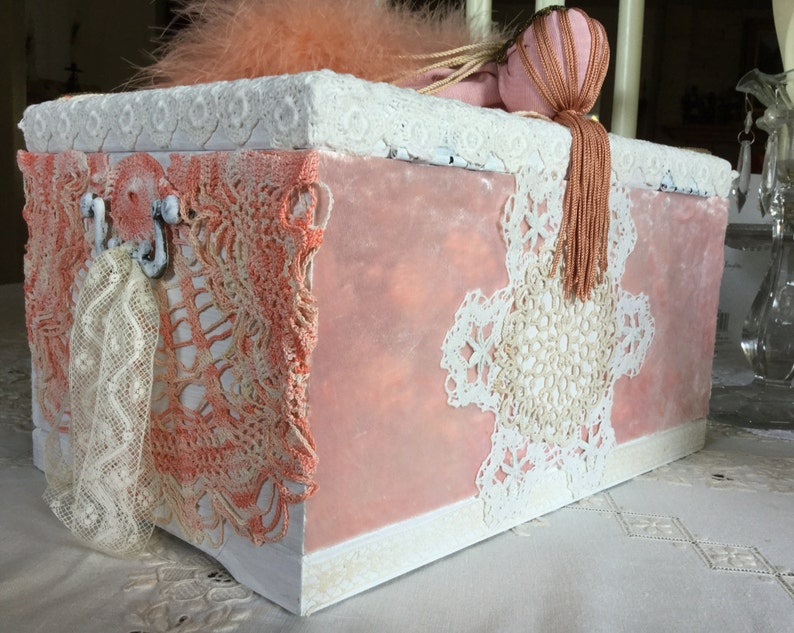 Peach Moire Marabou Feather Deco Doll Stunning Vintage Laces Rare Jewels Unusual /'After the Show Ballerina/' Large Jewelry Box Velvet