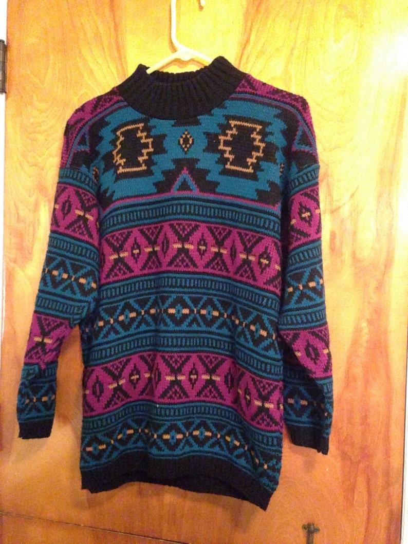Vintage 1980s Ladies Aztec Navajo Crew Neck Sweater Size Medium EXCELLENT CONDITION