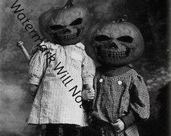 ODD BIZARRE STRANGE WEIRD CREEPY CRAZY FREAKY Kids Halloween Costume VINTAGE PIC