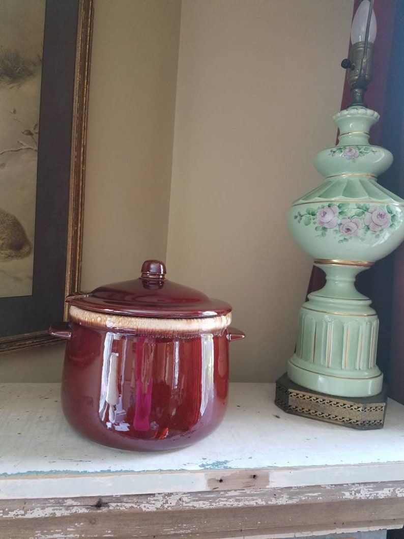 McCoy chocolte brown drip edge Stew Pot 0121 with lid  vintage image 0