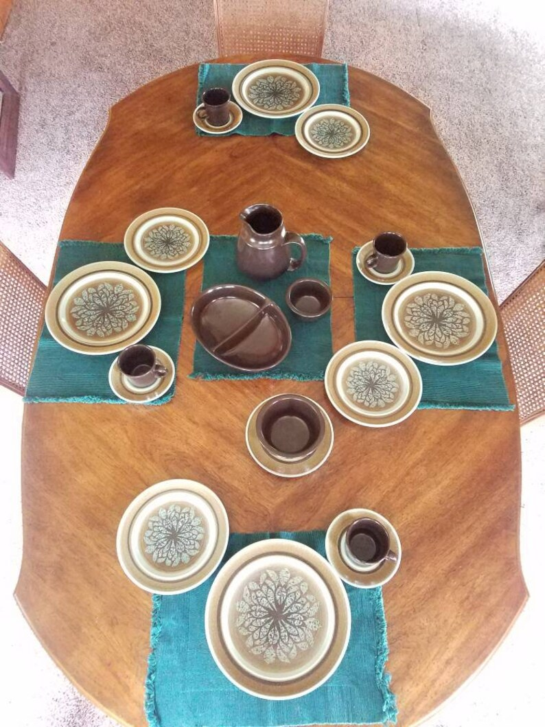 21 piece set Franciscan Earthenware Nut Tree Pattern vintage image 0