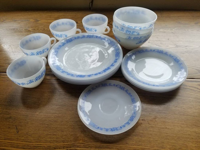 Termo Rey vintage dish set milk glass with blue flowers 16 image 0