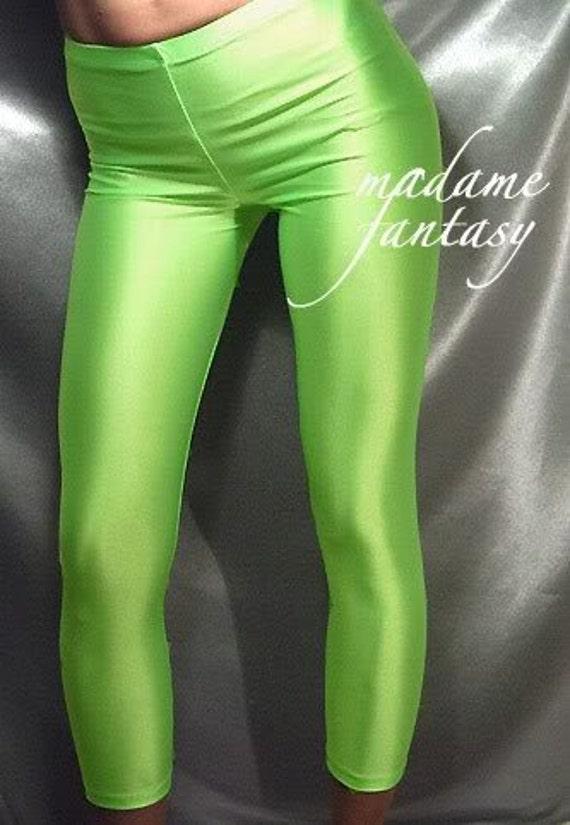 Short fluorescent green shiny spandex leggings
