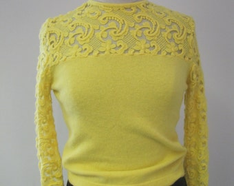 Vintage 1960s Ladies Yellow Embroidered Lambswool Sweater