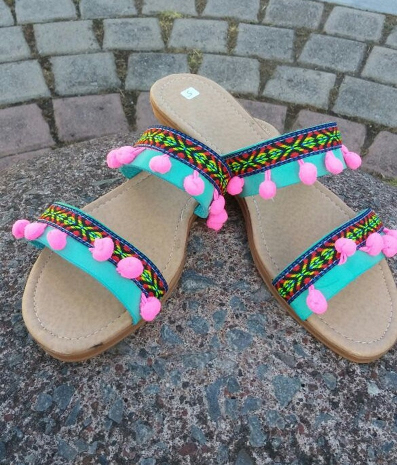 c5e34d7a28f0 Mexican Sandals Mexican shoes Huaraches US9 Pompom sandals