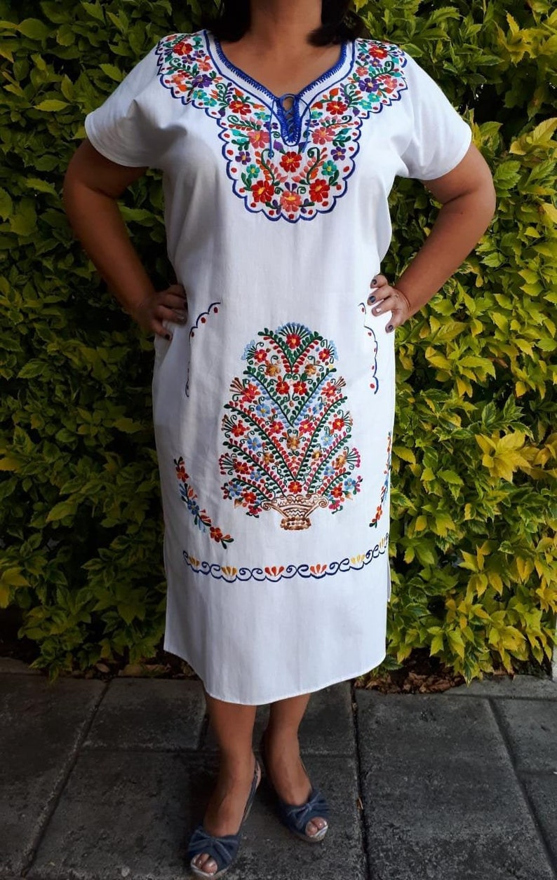 bc8c019c395 Embroidered Mexican white Dress Mexican White dress Oaxacan