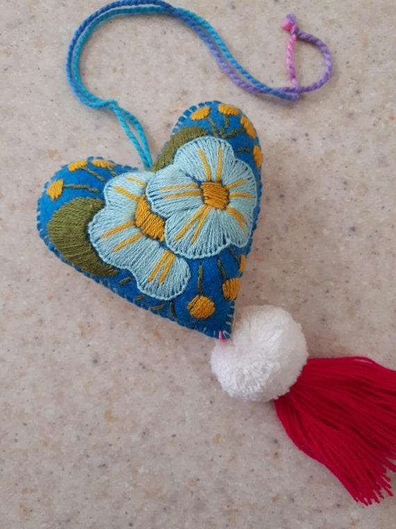 Mexican milagro Hand Embroidered heart pompom mexican wedding favor Mexican tassel heart pompom tassel charm Mexican Felt Heart charm