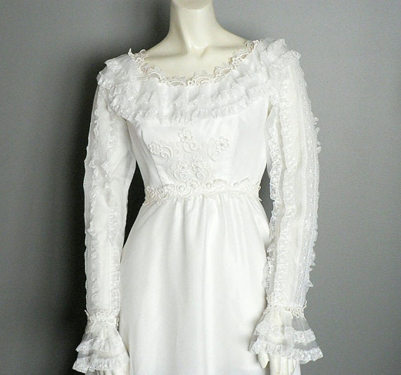 Prairie Style 1960s Wedding Dress White Lace , Sat